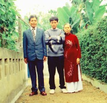 Nguyen Do & His Parents